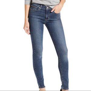 Levi's Slimming Skinny Jeans Blue Size 31